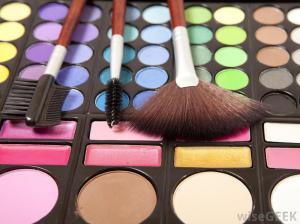 tray-of-makeup-and-brushes